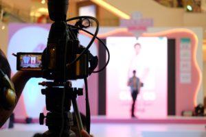 TVで人気のタレントになるには?5つのルートを徹底解説1
